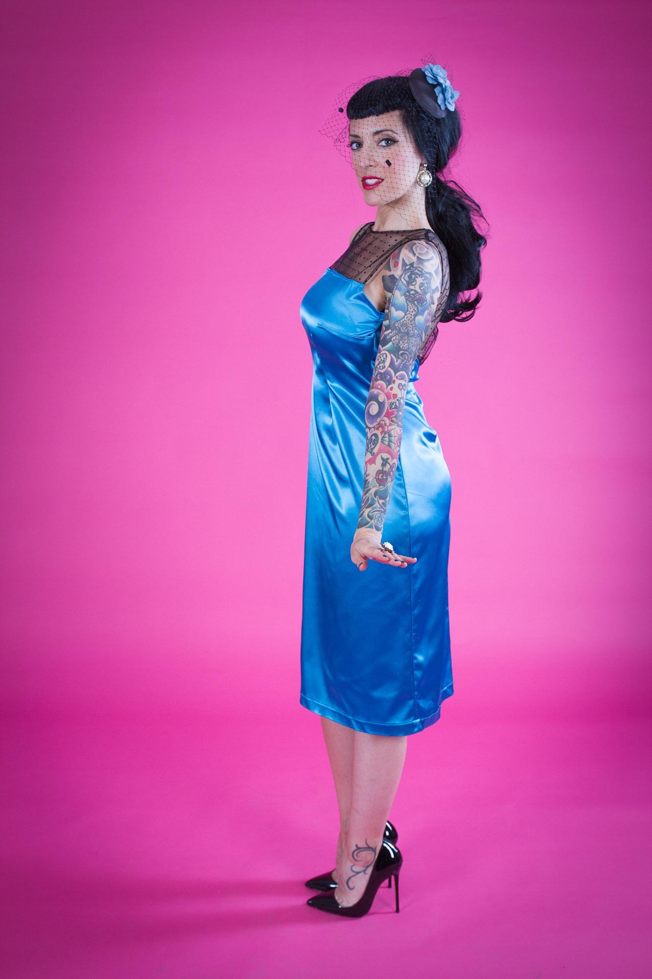 VICTORIA Vestido de fiesta azul con tul de lunares - Moda Pin Up 50\'S